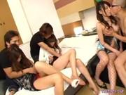 AV撮影に乱入した素人お姉さんがそのまま乱こうパーティする動画像無料「