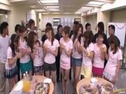 打ち上げが乱交パーティになる人気AV女優達のスワッピンク動画